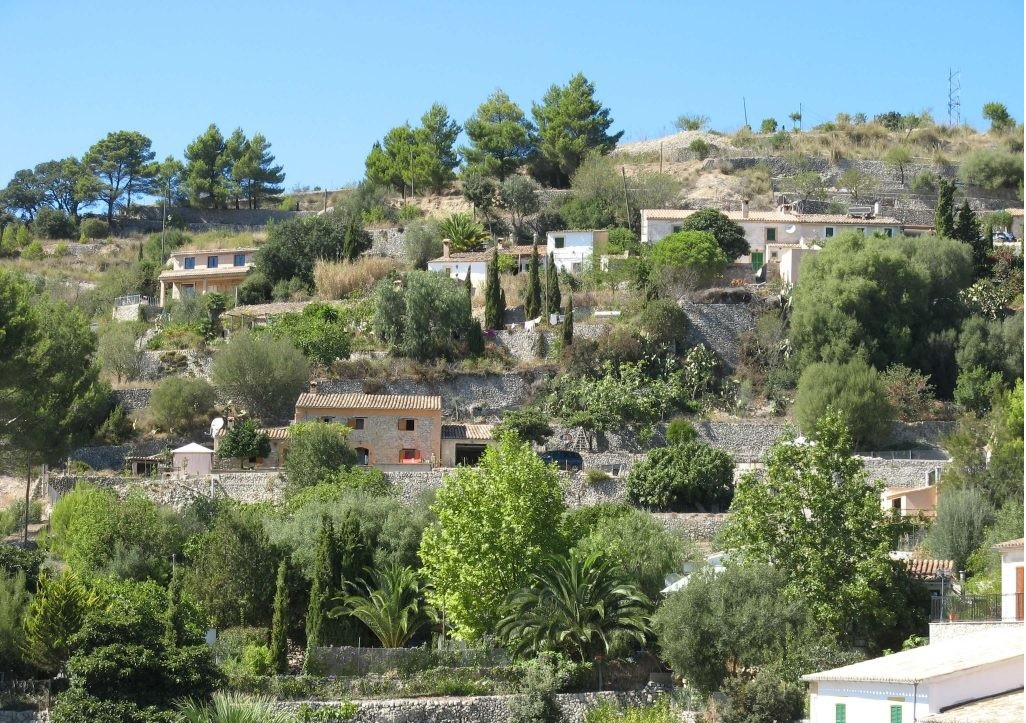 A pretty rural village in the heart of the mountain